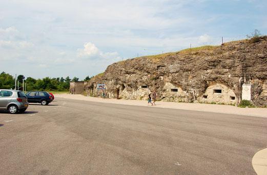 Fort de Vaux. Wo vor 100 Jahren gekämpft wurde, ist heute ein Parkplatz.