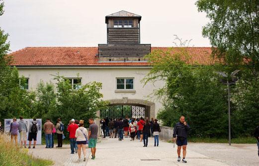 Tor zur Hölle. KZ Dachau.