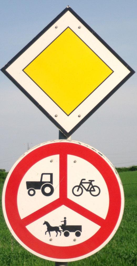 Unbekannte Verkehrsschilder