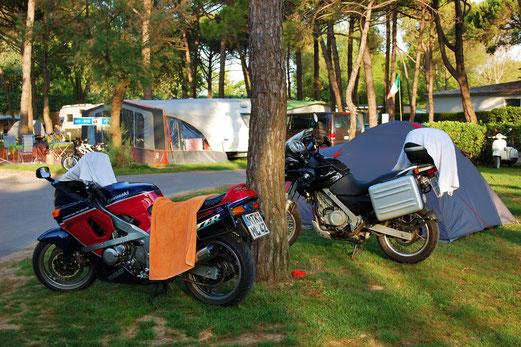 Alles, was man beim Camping so braucht...