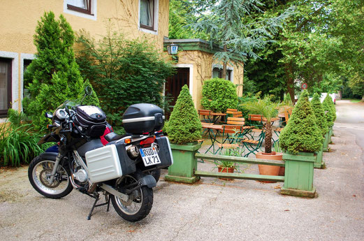 """Unser Hotel in Pullach. Von """"Geheimdienst"""" weiß hier niemand was..."""