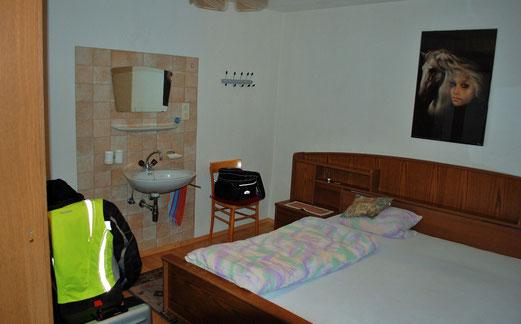 Für 20,-€ darf man nur eine Seite vom Bett benutzen.