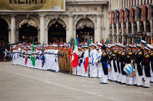 Navy Parade auf dem Markusplatz.