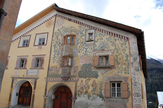 Häuserkunst in Südtirol.