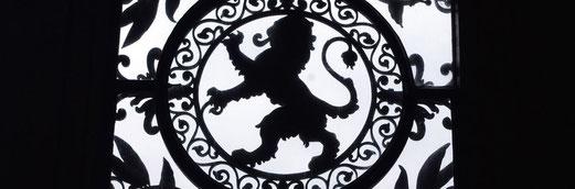 Le lion du Poitou est visible et figuré partout à Poitiers.