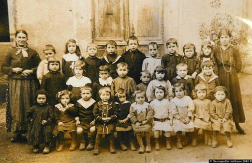Ecole des filles  primaire élémentaire Plaisance du Gers Olleris 1917 autrefois