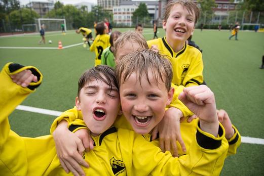 TuS E1-Jugend, noch als E3, 28.06.2014 - Dritter bei den TuS Turnier Tagen an der Pelmanstraße. - (Foto: r.f.).
