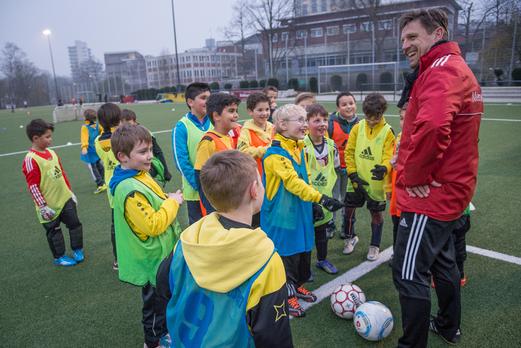 Training im Rahmen des DFB Mobil Besuchs an der Pelmanstraße, 19.03.2015. - Fotos: r.f.
