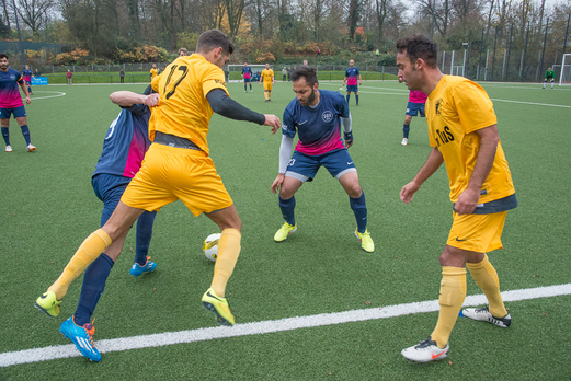 Erste Mannschaft gegen SG Schönebeck (5:0), Pelmanstraße, 30.11.2014. - Foto: r.f.