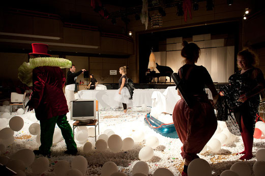 Bühnenbild, Kostüme, Zirkuswelt, Luftballons