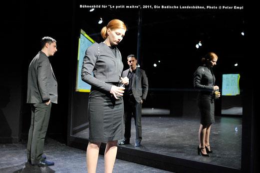 Haratischwili, Bühnenbild, Kostüme, Spiegel, Spiegelfolie, Liebe, Ehe, Le petit maître