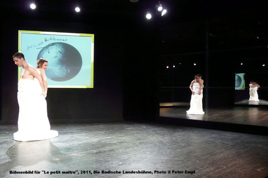 Haratischwili, Bühnenbild, Spiegel, Spiegelfolie, Liebe, Le petit maître