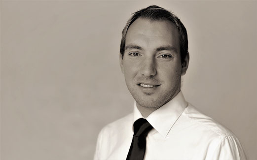 Alessandro Stuber, dipl Betriebswirtschafter, BBA, FINMA-Nr.: 33780