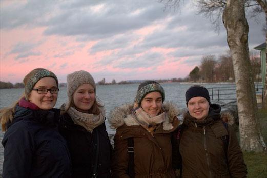 Maria Korten, Charlotte Uhrig, Lioba Dietz und Tabea Gerd-Witte am Vätternsee in Vadstena