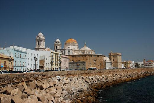 """The """"skyline"""" of Cádiz with its beautiful dome"""