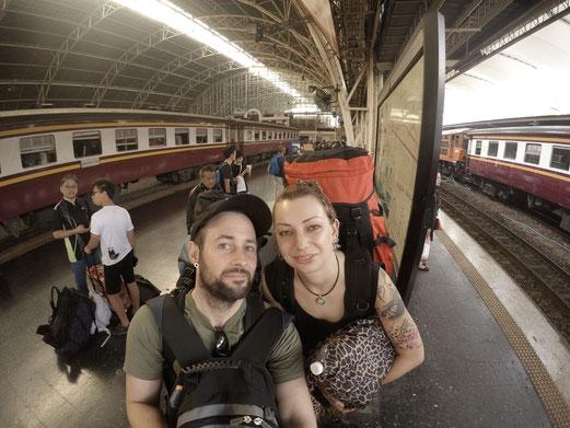 Thailand, Thailand 2016, Bahnhof Bangkok, Bangkok, Hua Lamphong, Backpacker, Zwei auf Achse, Zug
