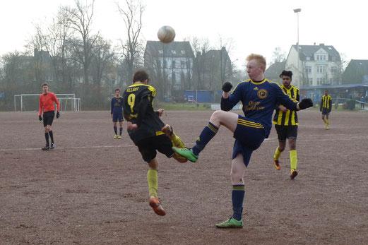 TuS A-Jugend im Auswärtsspiel bei Fortuna Bredeney. - Fotos: mal (1-5,9), abo (6-8).