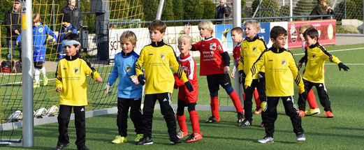 TuS Bambini 1 im Spiel gegen SC Werden-Heidhausen. - Fotos: r.f. (1-2), dabu (3-7).
