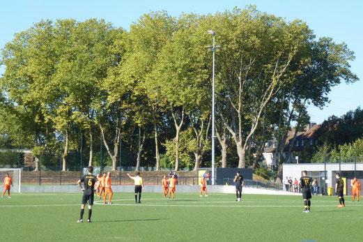 TuS Zweite Mannschaft im Auswärtsspiel bei AL-ARZ Libanon 2. - Fotos: mal.