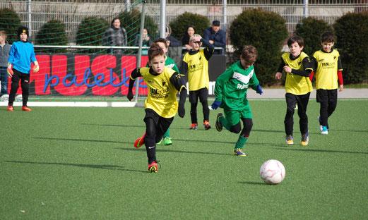 TuS F1-Jugend im Heimspiel gegen den SV Borbeck. - Foto: a.k.