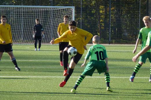 Leider reichte es nicht zum Punktgewinn: TuS C-Jugend im Spiel gegen den SC Phönix. - Foto: mal.