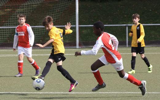 TuS D1-Jugend im Auswärtsspiel bei TuS Essen-West 81. - Fotos: pad.