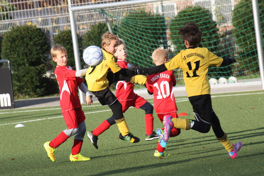 TuS E2-Jugend im Heimspiel gegen TuSEM E4. - Foto: o.k.