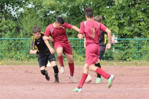 TuS B2-Jugend im Auswärtsspiel beim FC Alanya an der Bockmühle. - Foto: abo.
