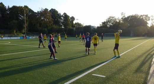 TuS C1-Jugend im Heimspiel gegen den Heisinger SV. - Fotos: mal.