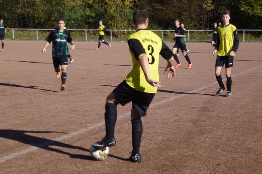 Eine im Grunde überflüssige Niederlage kassierte die A-Jugend im Auswärtsspiel am Hallo. - Foto: mal.