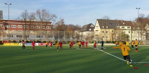 Knappe Niederlage trotz zweimaliger Führung: TuS D2-Jugend gegen TuSEM 2. - Foto: mal.
