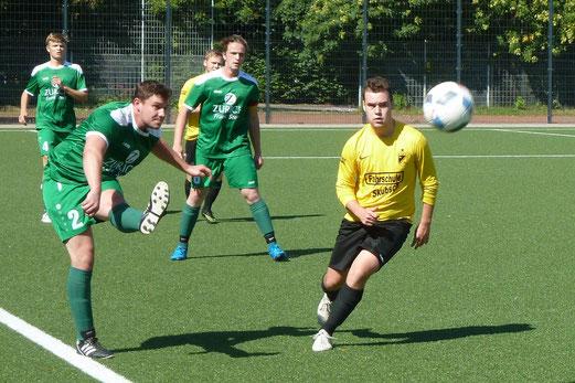Zweite Mannschaft im Heimspiel gegen die Zweite Mannschaft von TuSpo Saarn. - Fotos: mal.