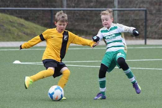 TuS E1-Jugend im Spiel gegen die E2 der SpVgg. Schonnebeck. - Foto: p.d.