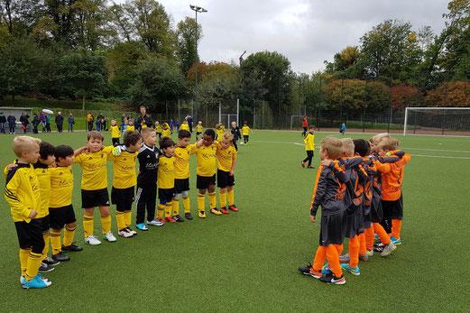 TuS F3-Jugend im Spiel gegen die F3 von Adler Union Frintrop. - Foto: taki.