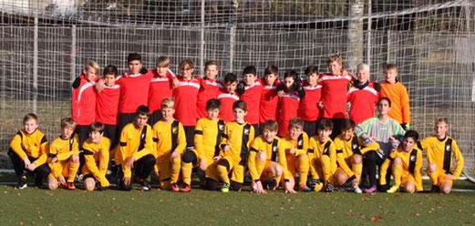 TuS D1-Jugend zussammen mit Gastgeber SG Bockum-Hövel. - Foto: pad.