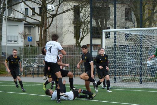 TuS Zweite Mannschaft im Heimspiel gegen DJK Dellwig 1910 I. - Foto: mal.