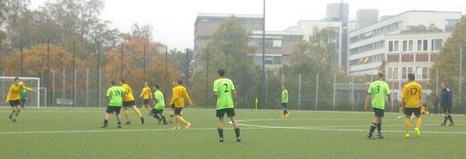 Wie das Wetter, so das Ergebnis: Zweite Mannschaft im Heimspiel gegen Atletico Essen. - Foto: nal.