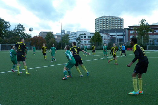 TuS A-Jugend im Kreispokal-Viertelfinale gegen den SV Borbeck. - Fotos: mal.