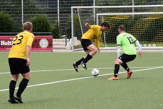 Zweite Mannschaft im Spiel gegen SpVgg. Schonnebeck III. - Fotos: ings.