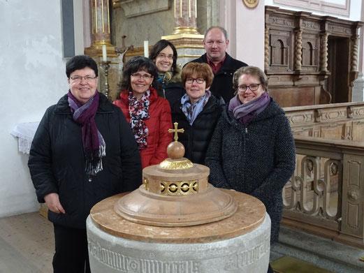 v.l. Hilde Siegl,  Kerstin Rößle, Birgitta Siegl,  Maria Meichelböck,  Manfred Lochbihler, Gerlinde Köhler