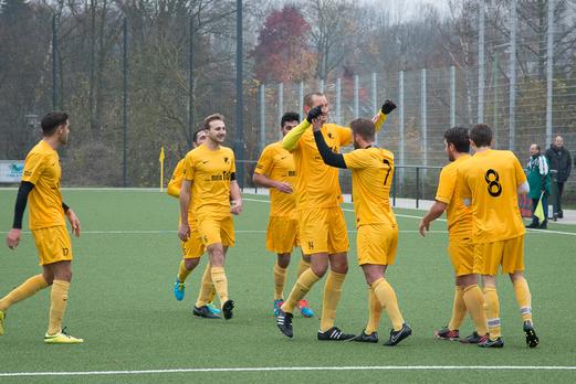 Klarer 5:0 Erfolg im Verfolgerduell: Erste Mannschaft gegen SG Schönebeck. - Foto: r.f.