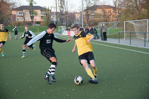 TuS B1-Jugend im Kreispokal-Halbfinale am Lichtenhorst. - Foto: r.f.