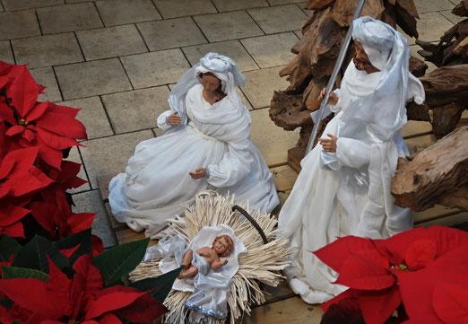 19. Dezember 2018 - Christi Geburt im 21. Jahrhundert: In Tüll und Seide gehüllt