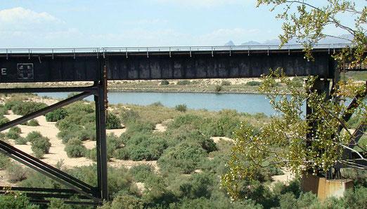 Nur noch über die Brücke und den Colorado-River und wir sind in Kalifornien.