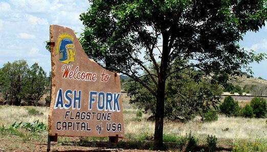 Willkommen in Ash Fork (Arizona). Das Dorf mit 500 Einwohnern nennt sich Hauptstadt der USA!
