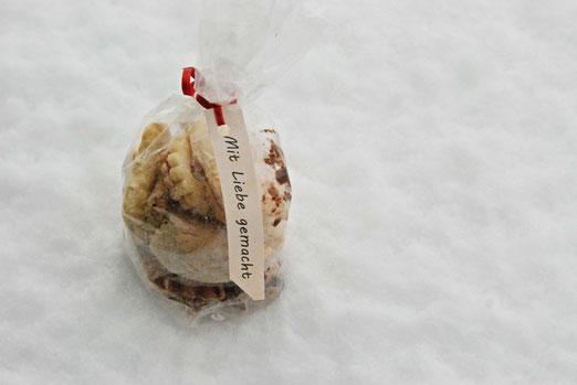 21. Januar 2021 - Jetzt schmelzen sie rach dahin, der Schnee und die Weihnachtsguetzli