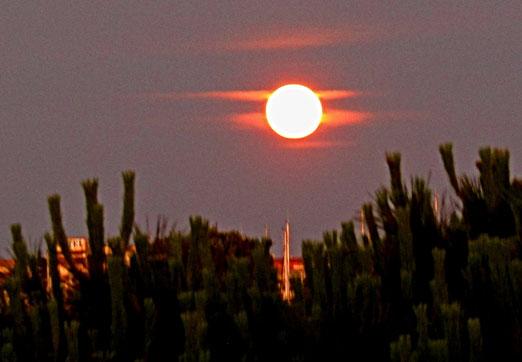 26. Juni 2021 - Der Mond ist aufgegangen