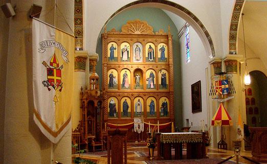 Hauptanziehungspunkt ist die Cathedrale Basilica of Saint Francis Assisi. (gebaut 1869-1887). Das Innere der Basilica of Saint Francis Assisi in Santa Fé