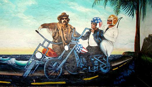 Peter Fonda, Dennis Hopper und Jack Nicholson waren im Film Easy Rider im Jahre 1969 auf der Route 66 unterwegs.