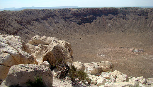Unweit von Winslow befindet sich der Meteor Crater, der weltweit best erhaltene Meteoriten-Einschlag der Erde.
